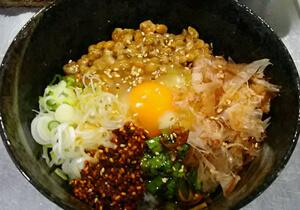 (丼もの)スーパーNTG(納豆卵ご飯) 450円