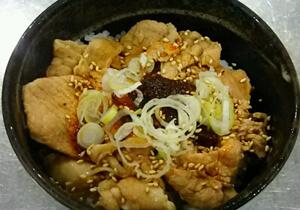(丼もの)ミニ豚ラー飯 500円